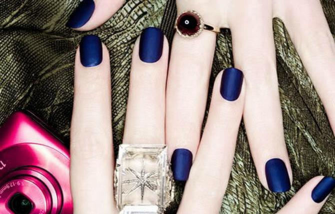Plavi Trendi boje lakova za nokte koje TREBA da isprobate odmah