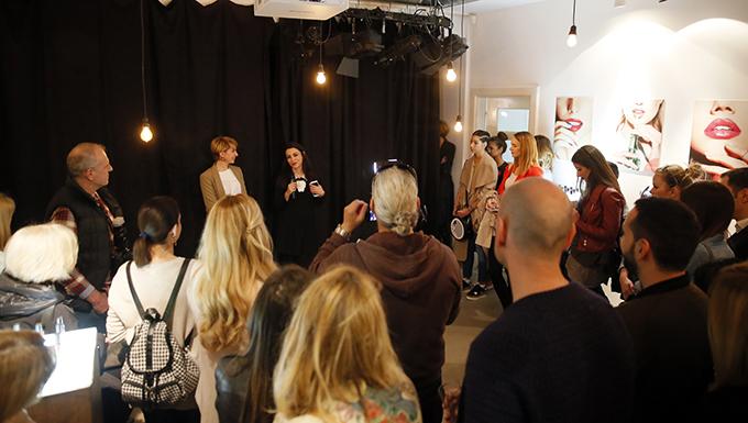Predstavljanje nove kolekcije Ane Ljubinkovic i Avon Gel Shine lakova Visoka moda i manikir INSPIRISANI pirotskim ćilimima