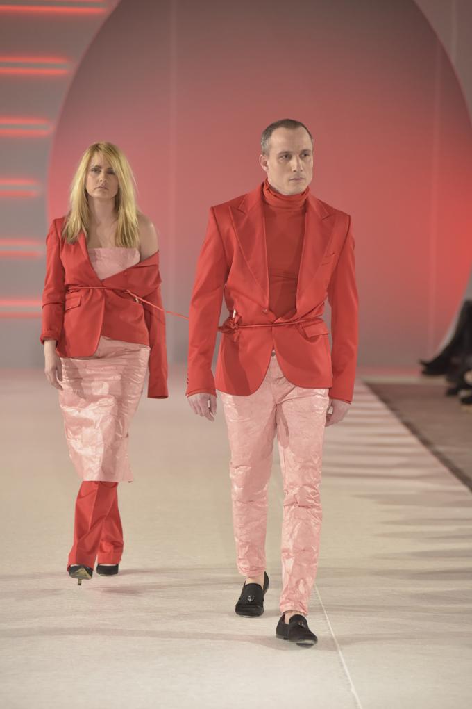Tamara Krcunović i Miloš Timotijević nose modele Martini Vesto by Bosko Jakovljević Svečano otvaranje 39. BlacknEasy Fashion Week a humanitarnom revijom