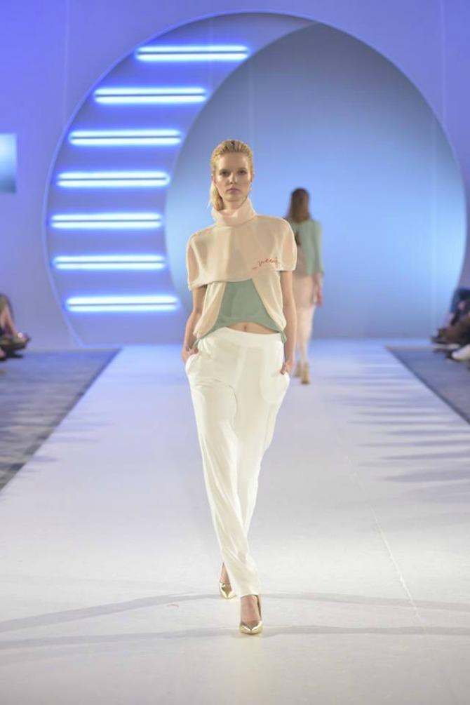 model 1 Studentkinje Modnog dizajna na Belgrade Fashion Week u