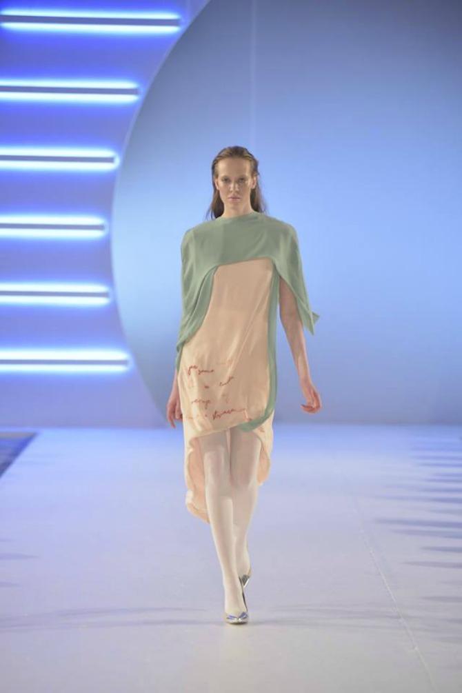 model 2 Studentkinje Modnog dizajna na Belgrade Fashion Week u