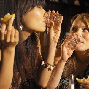 signs youre drinking too much promo 700 Kviz: Koju haljinu treba da nosiš ove sezone?