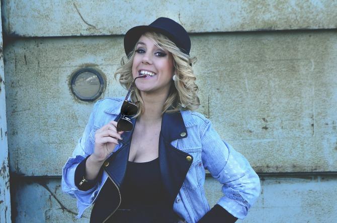 Anja Plemić1 Intervju: Anja Plemić, studentkinja modnog dizajna na Univerzitetu Metropolitan