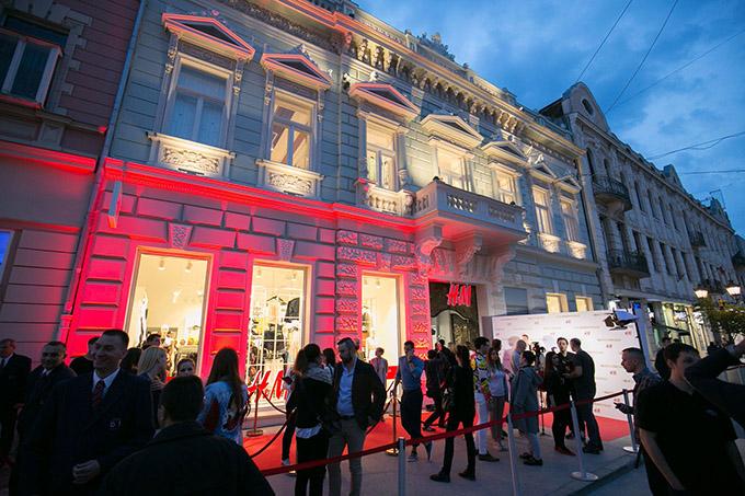 HM 2 Svečano otvorena nova H&M prodavnica u centru Novog Sada