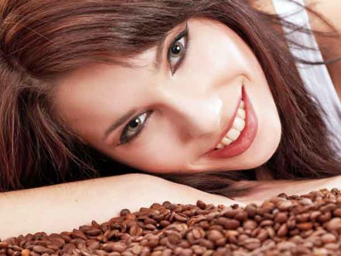 Iskoristite kafu u svojoj kozmetičkoj nezi Iskoristite kafu u svojoj kozmetičkoj nezi (YOUTUBE)