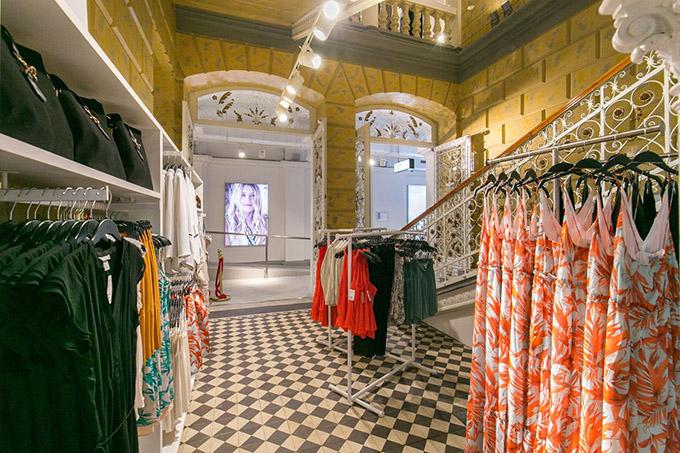 enterijer 1 Svečano otvorena nova H&M prodavnica u centru Novog Sada