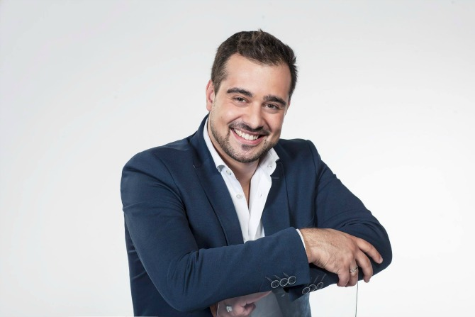 Stefan Buzurović glumac i TV voditelj Top 5 razloga zašto je online kupovina BOLJA od kupovine u prodavnicama