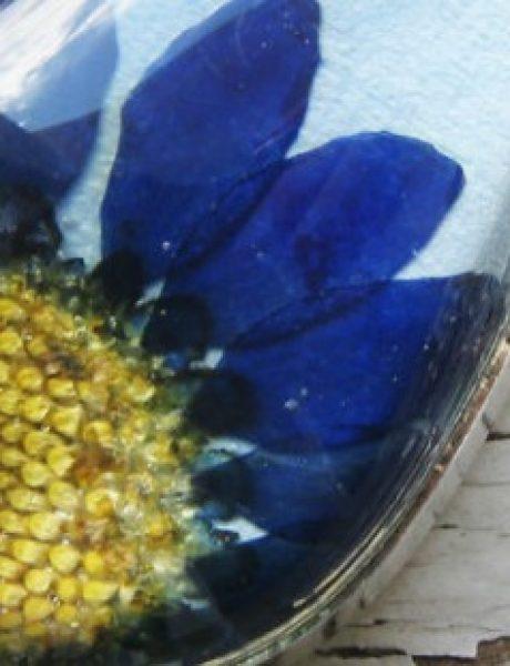 Zadivljujući nakit od sušenog cveća (GALERIJA)