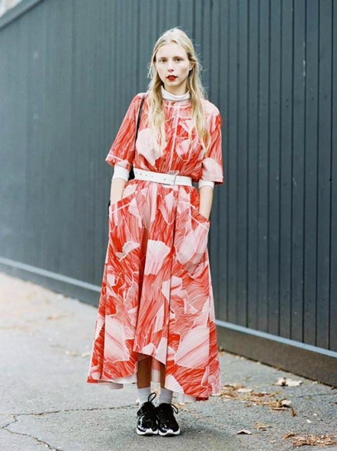 haljina 1 Kako da kombinuješ haljinu sa patikama?
