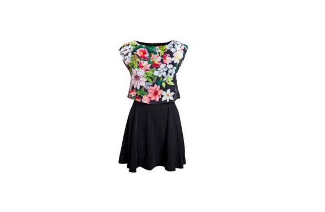 haljina1 Cvetna haljina i crni aksesoari su PRAVI izbor za tebe!