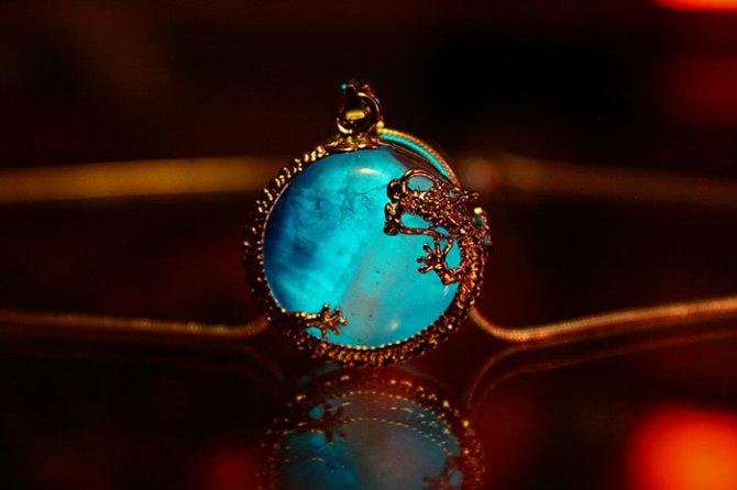nakit 11 Da li biste nosile nakit koji SVETLI u mraku?