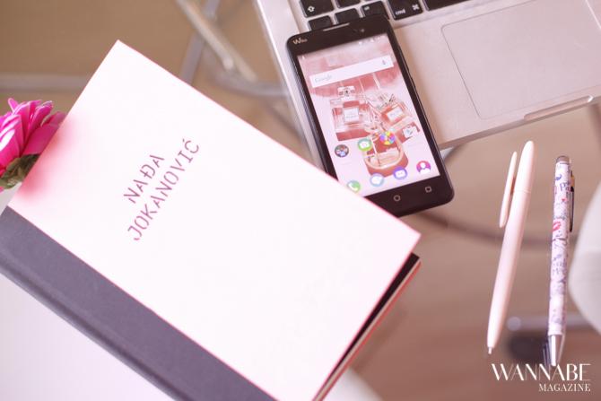 wiko 1 Pristupačan gedžet za svaku POSLOVNU damu   smartfon Wiko