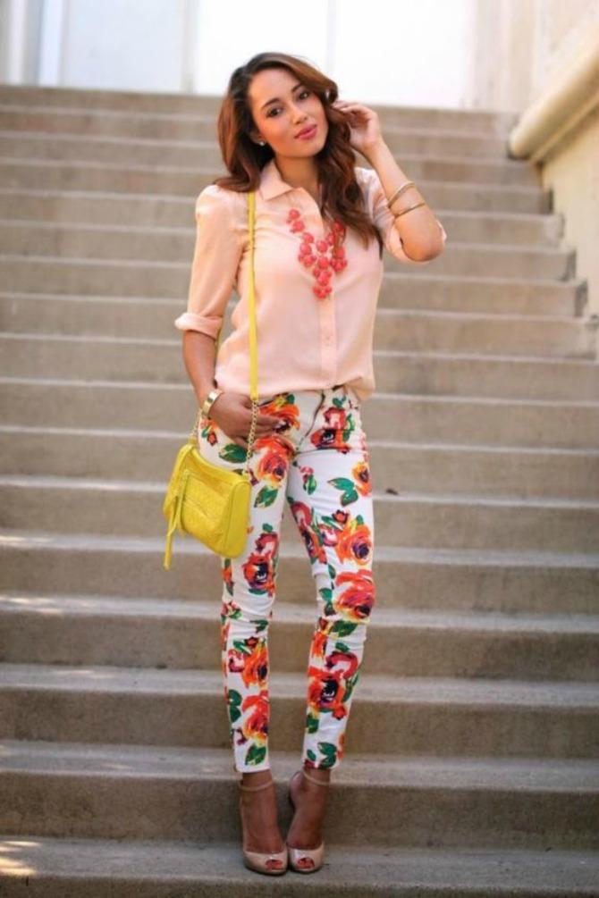 6 načina kako da nosiš cvetne pantalone 6 načina kako da nosiš cvetne pantalone