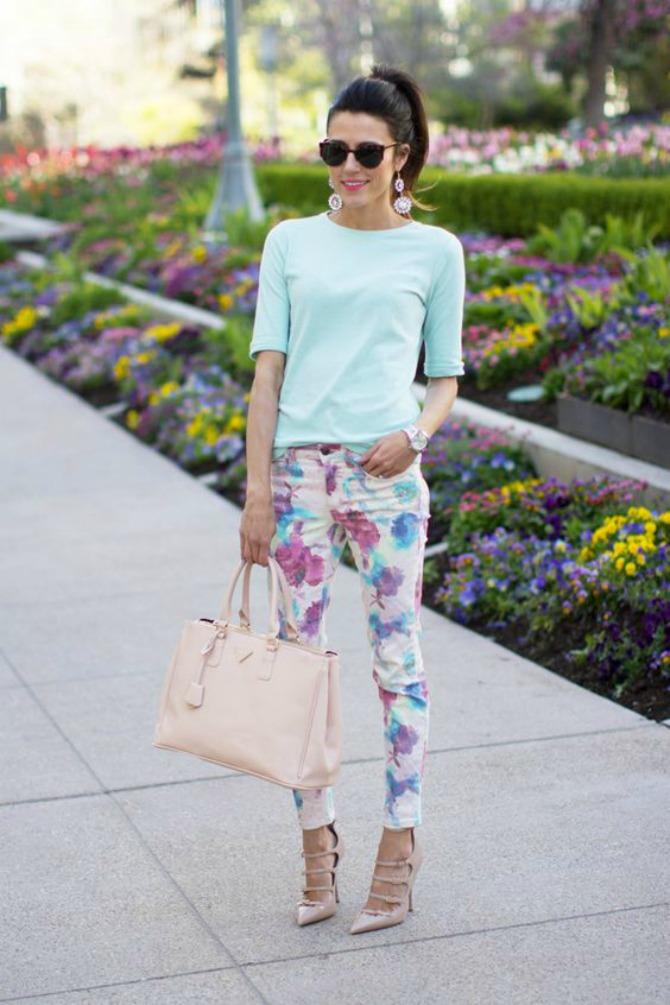 6 načina kako da nosiš cvetne pantalone2 6 načina kako da nosiš cvetne pantalone
