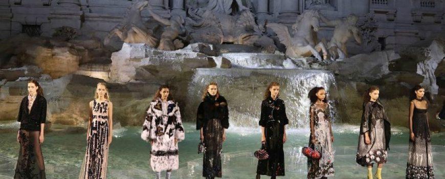 Očaravajuća Fendi revija u Rimu (VIDEO)