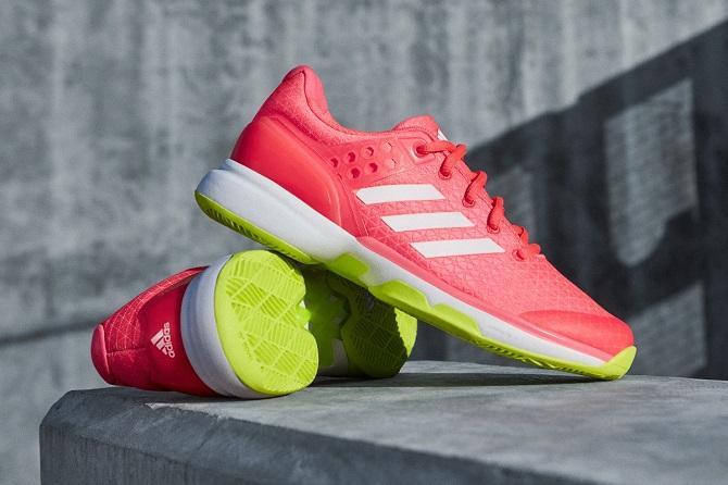 adidas Uberosnic 2 zenski model 1 Patike koje nosi Ana Ivanović   za brzu i neustrašivu generaciju tenisera
