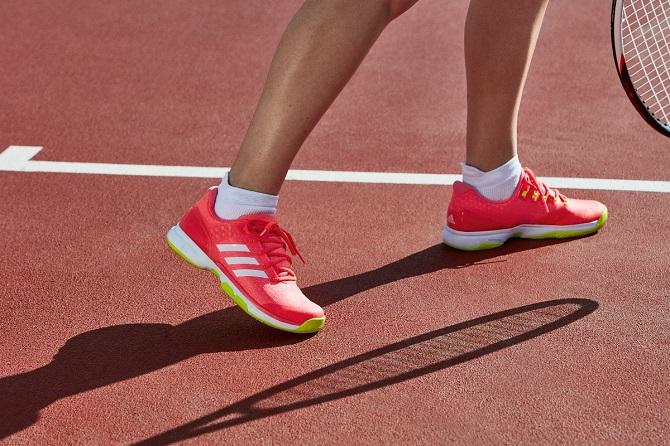 adidas Uberosnic 2 zenski model 3 Patike koje nosi Ana Ivanović   za brzu i neustrašivu generaciju tenisera