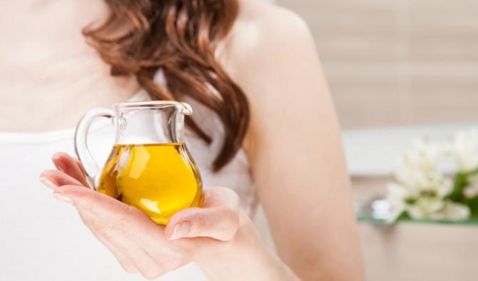maslinovo ulje 8 prirodnih namirnica koje će učiniti da tvoja koža lica UVEK bude mlada