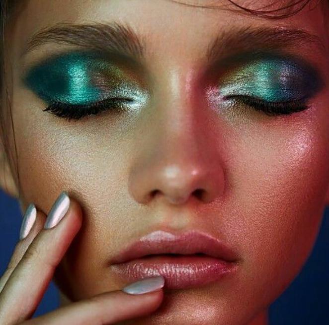 sirena makeup Beauty trend sa modne piste: Ovog leta probudi sirenu u sebi!