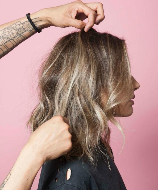 bez mnogo muke do savrseno talasaste kose 1 Bez mnogo muke do SAVRŠENO talasaste kose (VIDEO)