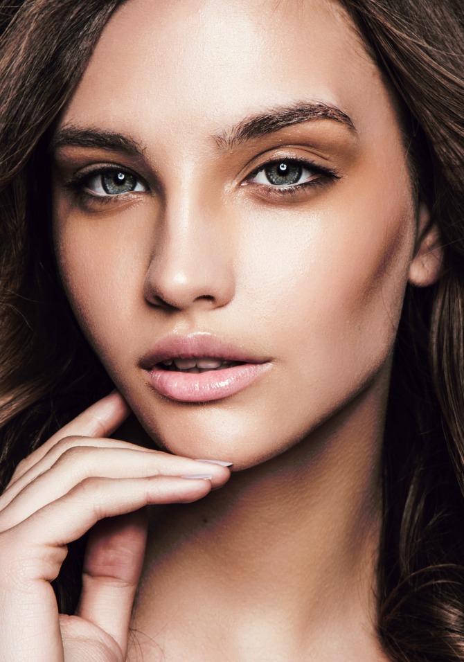 glamurozan i efektan bronzani makeup za svaku priliku 1 Glamurozan i efektan: Bronzani makeup za SVAKU priliku