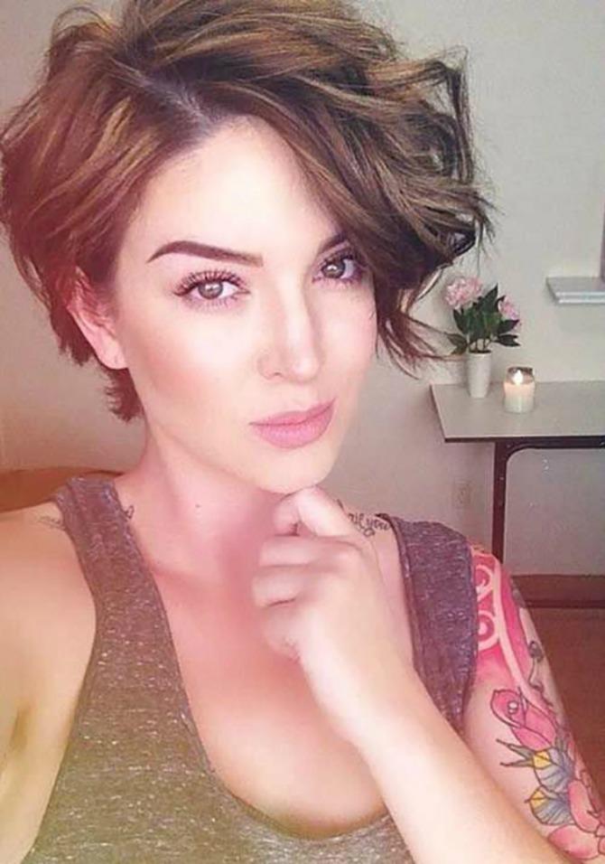 izgledajte zenstveno sa piksi frizurom 4 Izgledajte ženstveno i sa PIKSI frizurom
