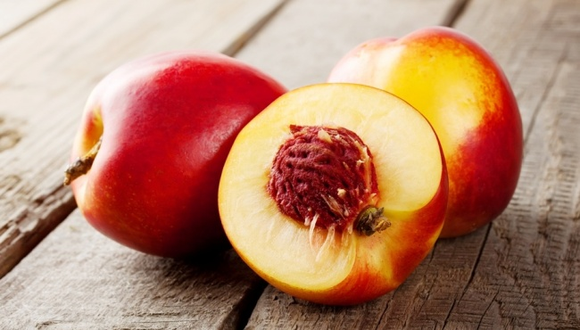 nektarine 5 ukusnih namirnica koje nije strašno pojesti i posle 18h!