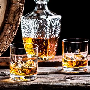 shutterstock 253255609 whisky Na koji moćan par ličite ti i tvoj/a dečko/devojka? + osvoji parfem za nju i njega (KVIZ)