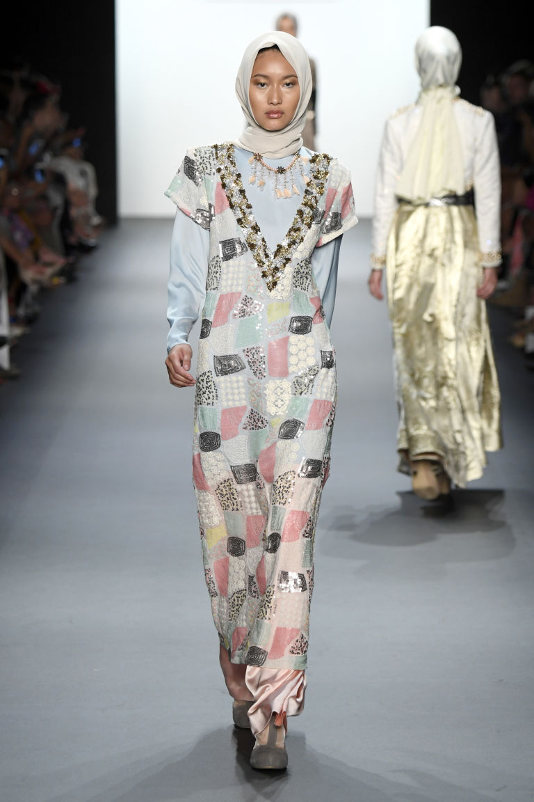 Aniesa Hasibuan 5 Aniesa Hasibuan: Prva dizajnerka koja je predstavila HIDŽAB na Nedelji mode