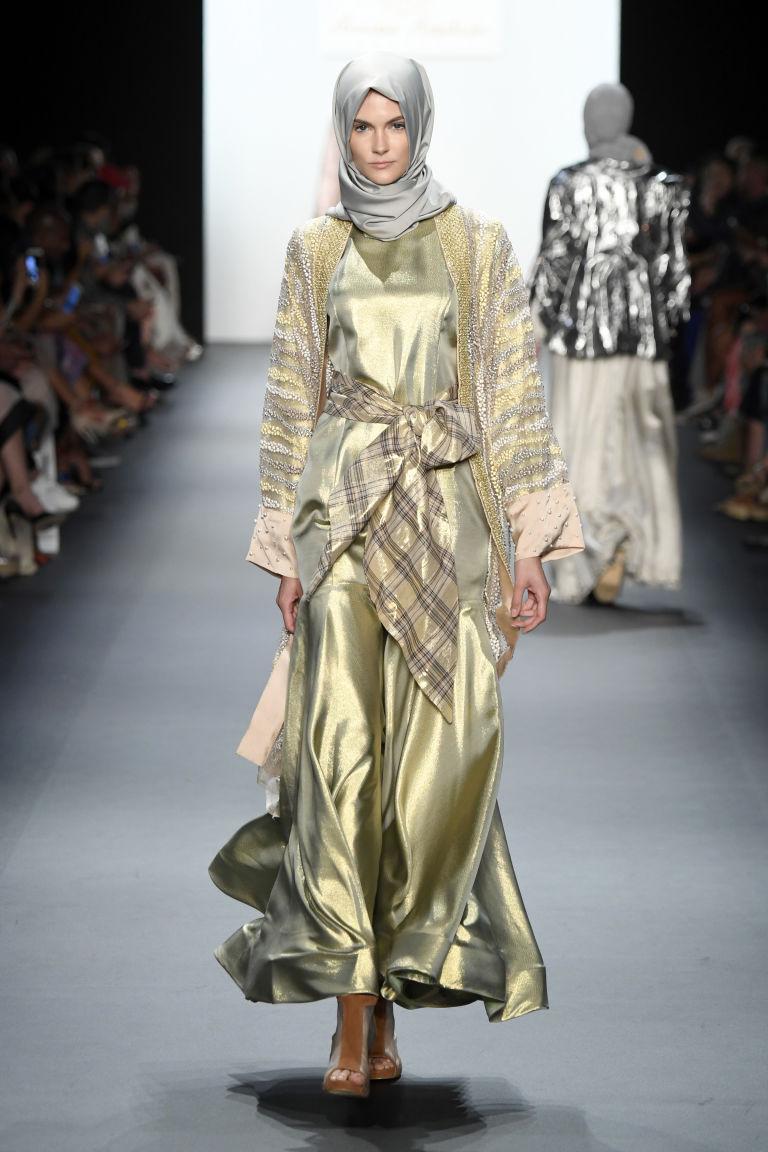 Aniesa Hasibuan 6 Aniesa Hasibuan: Prva dizajnerka koja je predstavila HIDŽAB na Nedelji mode