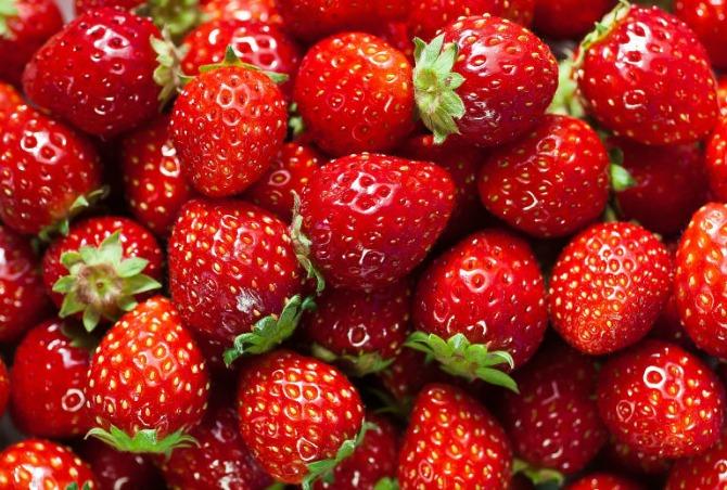 jagode Napravi sama ukusni doručak: Smoothie koji ubrzava metabolizam