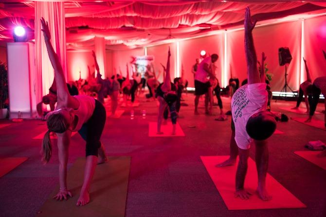 Reebok XChallenge joga trening 4 Čuveni instruktor joge oduševio Beograđane (FOTO)