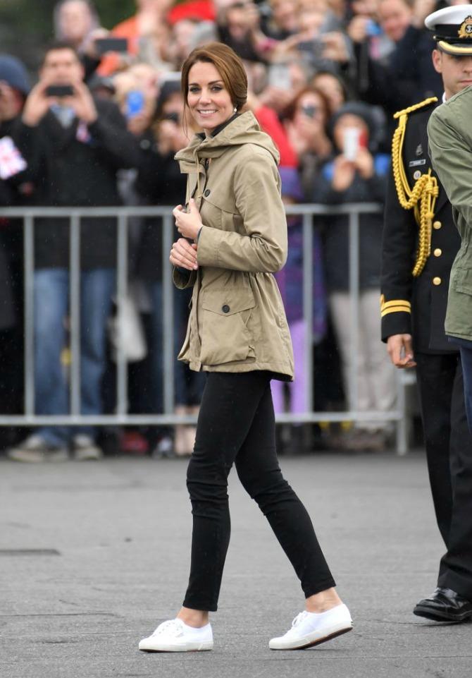 Sva modna izdanja Kejt Midton tokom posete Kanadi3 Sva modna izdanja Kejt Midton tokom posete Kanadi
