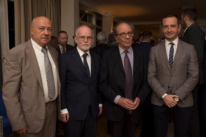 ambasador velike britanije sa predstavnicima ekonsmokog fakulteta i lse1 Prestižne međunarodne studije Univerziteta u Londonu od sada na Ekonomskom fakultetu