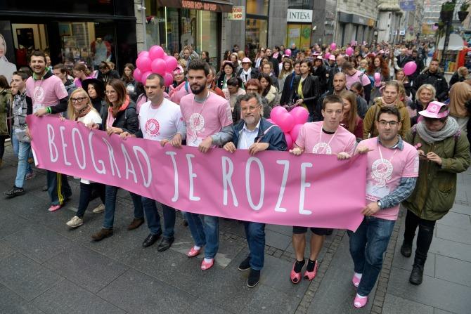 avon ruzicasti bazar 5 Muškarci na štiklama i ove godine podržali borbu protiv raka dojke