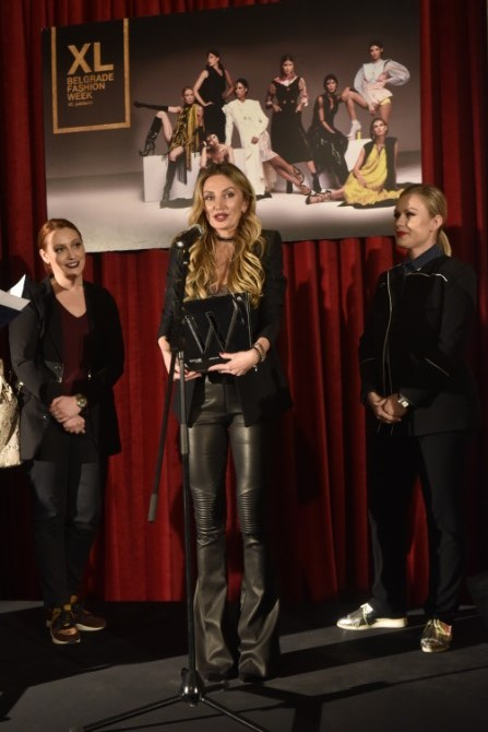 WANNABE MAGAZINE Ines Jankovic1 Dodelom nagrada u Skupštini grada Beograda završen 40. Belgrade Fashion Week