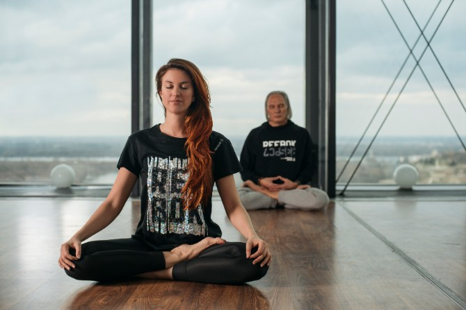 15 Reebok X Challenge yoga trening na krovu Beograda