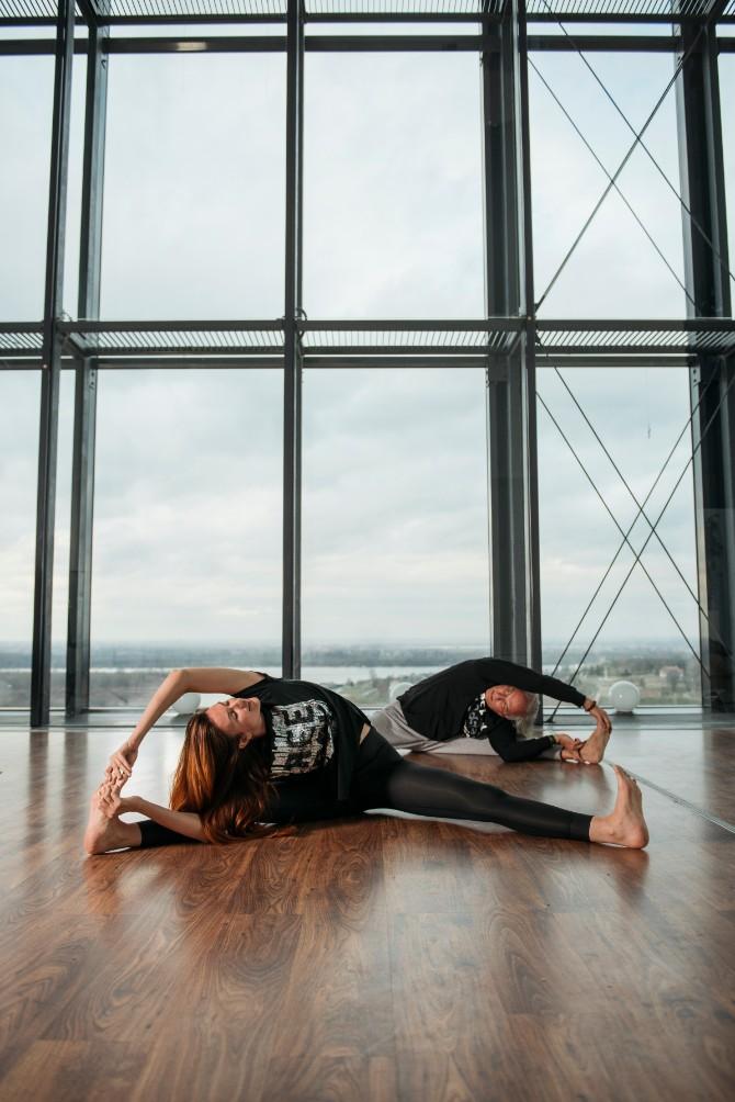 23 Reebok X Challenge yoga trening na krovu Beograda