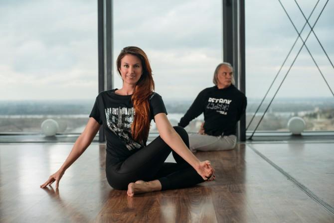 51 Reebok X Challenge yoga trening na krovu Beograda