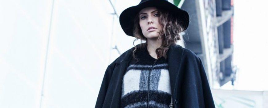 Modni predlog Stadion Shopping Center: Svedena kombinacija za devojke sa stilom