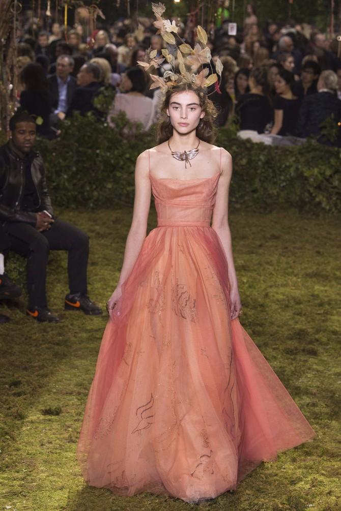 13 Haljine koje su obeležile sam početak Nedelje visoke mode u Parizu (GALERIJA)