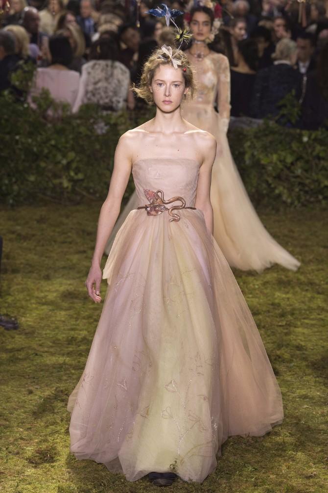 23 Haljine koje su obeležile sam početak Nedelje visoke mode u Parizu (GALERIJA)