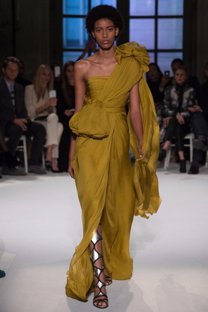 44 Haljine koje su obeležile sam početak Nedelje visoke mode u Parizu (GALERIJA)