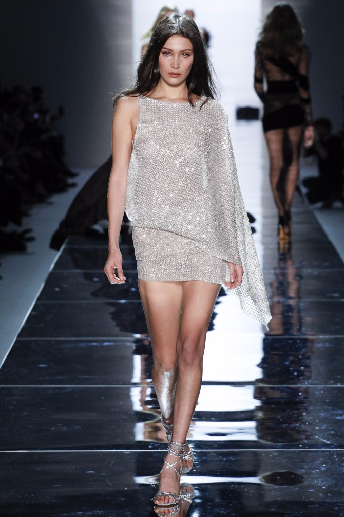 alexandre vauthier 61 Romantičan i edgy treći dan Nedelje visoke mode u Parizu (GALERIJA)