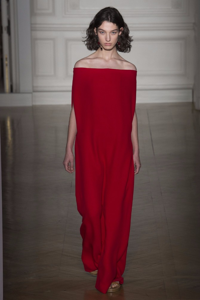 valentino 6 Romantičan i edgy treći dan Nedelje visoke mode u Parizu (GALERIJA)