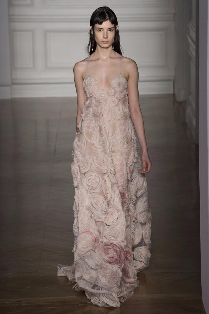 valentino 8 Romantičan i edgy treći dan Nedelje visoke mode u Parizu (GALERIJA)