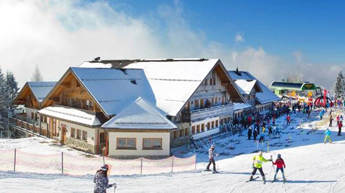 16195572 1428742147178075 8133307603082398709 n Zimski vodič kroz Sloveniju: Kako da isplanirate savršeni odmor u podnožju Alpa (Blog)