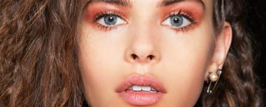 Proleće 2017: Novi načini za kombinovanje šminke i frizure