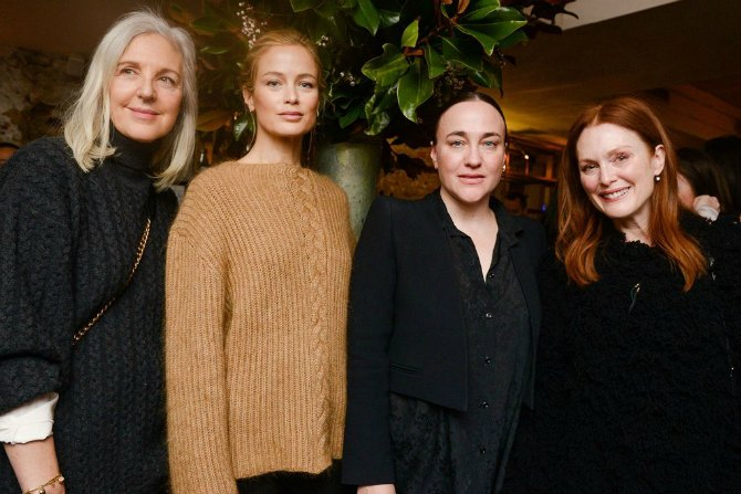 Ruth Chapman Carolyn Murphy Ryan Roche and Julianne Moore. Nedelja mode u Njujorku   izbliza (GALERIJA)