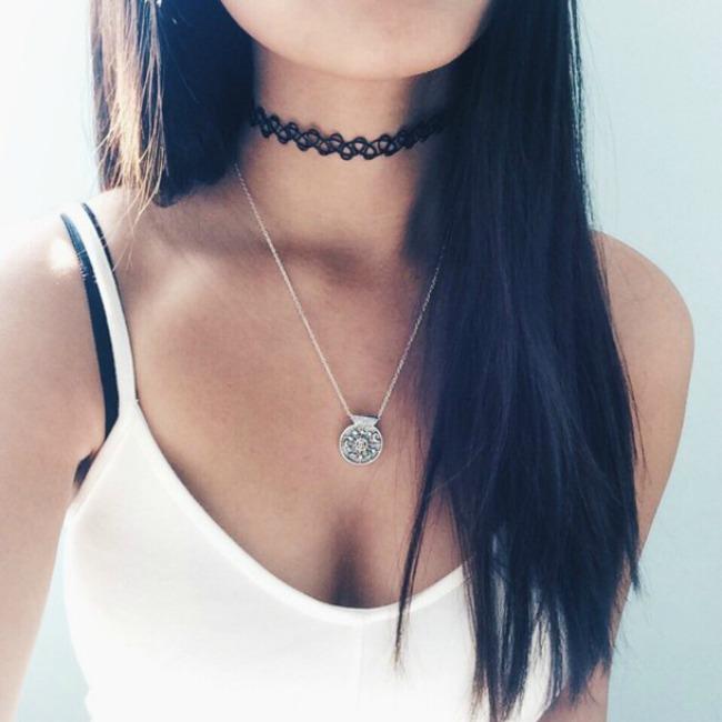 choker 11 Istorija choker ogrlice: Od tabua do trenda